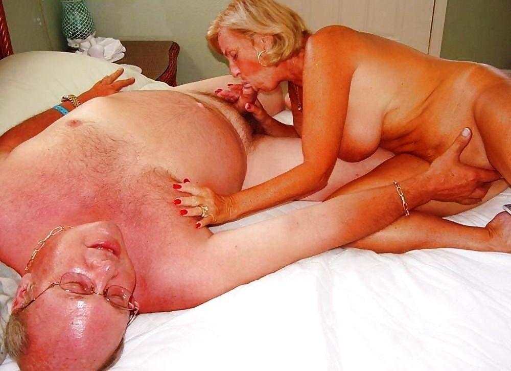 Homemade mature swinger party at