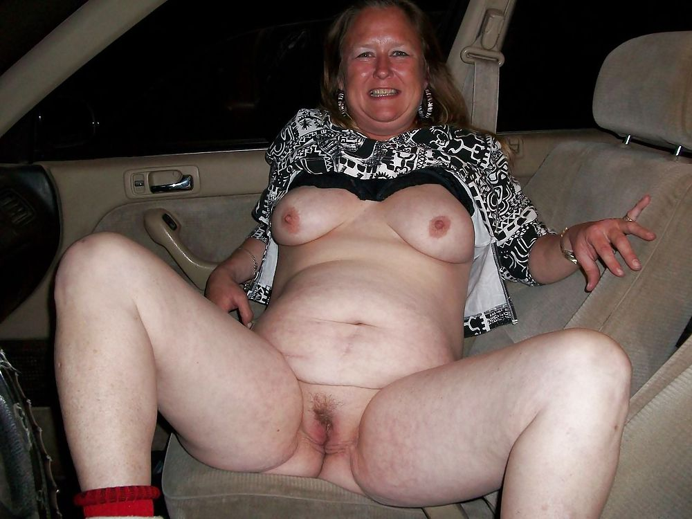 Granny nude amateur
